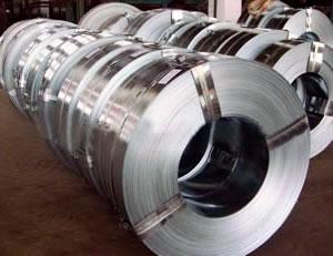 Металлическая упаковочная лента – гарантия сохранности при погрузке и перевозке
