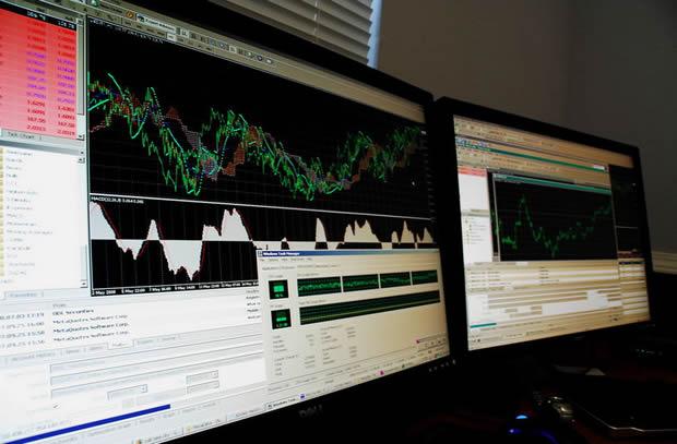 Компьютерный монитор: торговля и аналитика на рынке Форекс